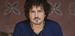 Tommy Torres on Acceso Total.jpg