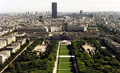 http://upload.wikimedia.org/wikipedia/commons/thumb/f/f5/Towards_Montparnasse_from_the_Eiffel_Tower.jpg/400px-Towards_Montparnasse_from_the_Eiffel_Tower.jpg