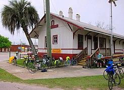 Trenton Florida Trailhead Rest Stop - panoramio.jpg