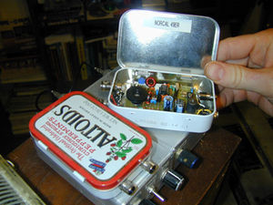 QRP operation - QRP low-power transmitter and receiver that fits inside an Altoids tin.