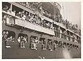 Troopships depart Sydney (4175140515).jpg