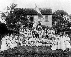 Tropenmuseum Royal Tropical Institute Objectnumber 10019010 Groep Nederlandse kolonisten op de bo