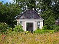 Tuinhuis onder schilddak, Pieterburen.JPG