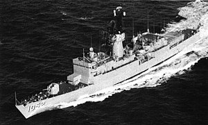 USS Knox (FF-1052) - Image: USS Knox (DE 1052) underway in 1969