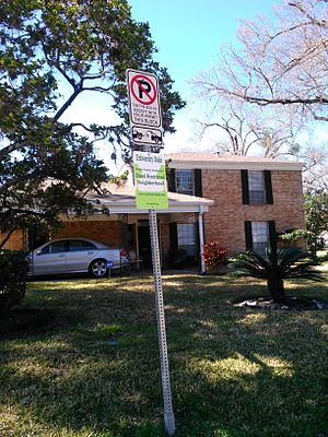University Oaks, Houston - Subdivision sign