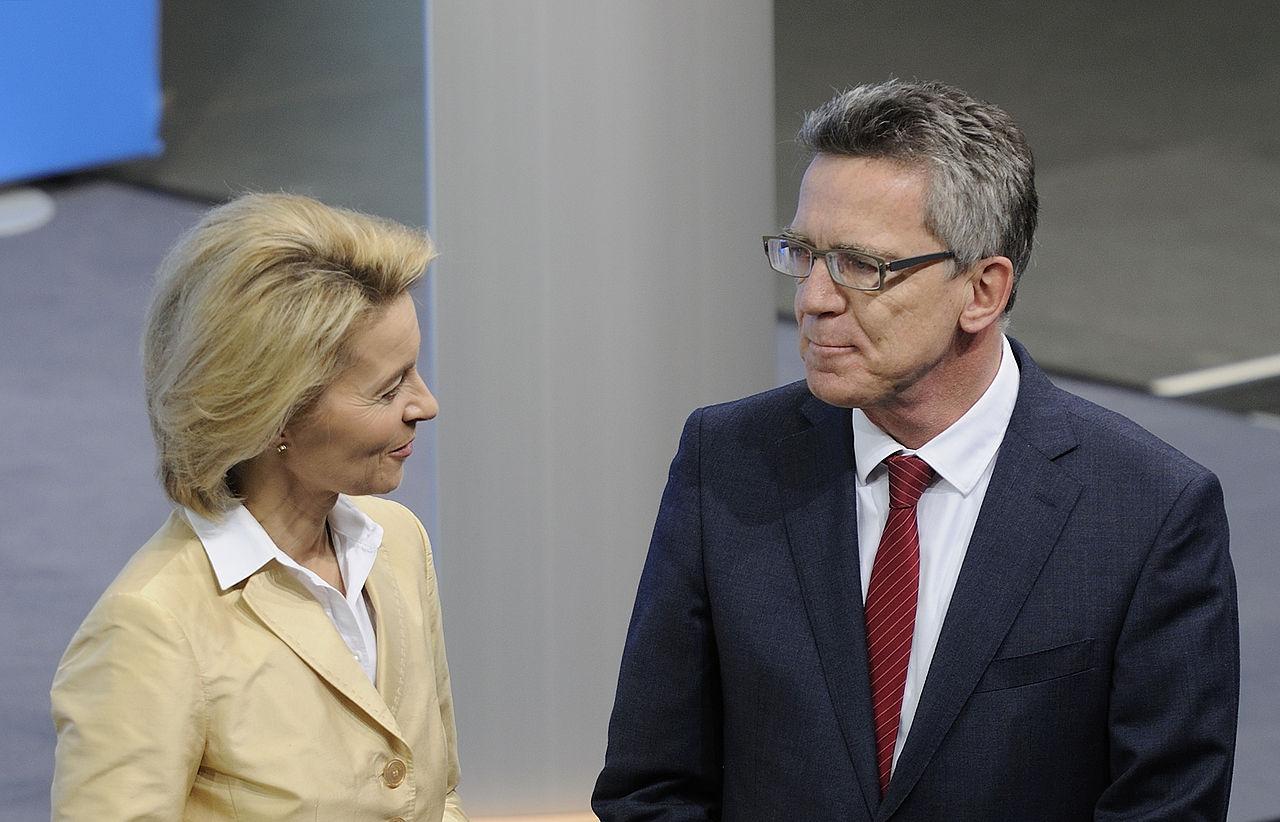 Unterzeichnung des Koalitionsvertrages der 18. Wahlperiode des Bundestages (Martin Rulsch) 038.jpg