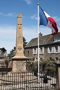 Urville-Hague Monument aux Morts 01.jpg