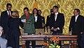 VII Encuentro Presidencial Ecuador-Venezuela. Entrega de créditos no reembolsables, suscripción de convenios y rueda de prensa (4465730861).jpg