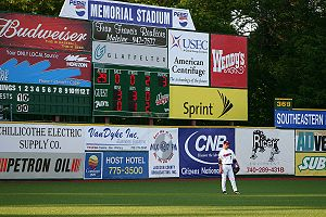 Va memorial stadium scoreboard chillicothe ohio 2006.jpg