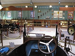 Vehicles in the Musée de l'Aventure Peugeot 002.jpg