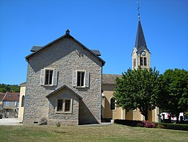 The town hall and church in Velars-sur-Ouche