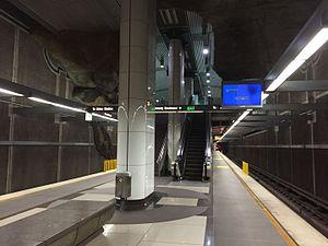 Vermont/Beverly station - Image: Vermont Beverly platform 2016