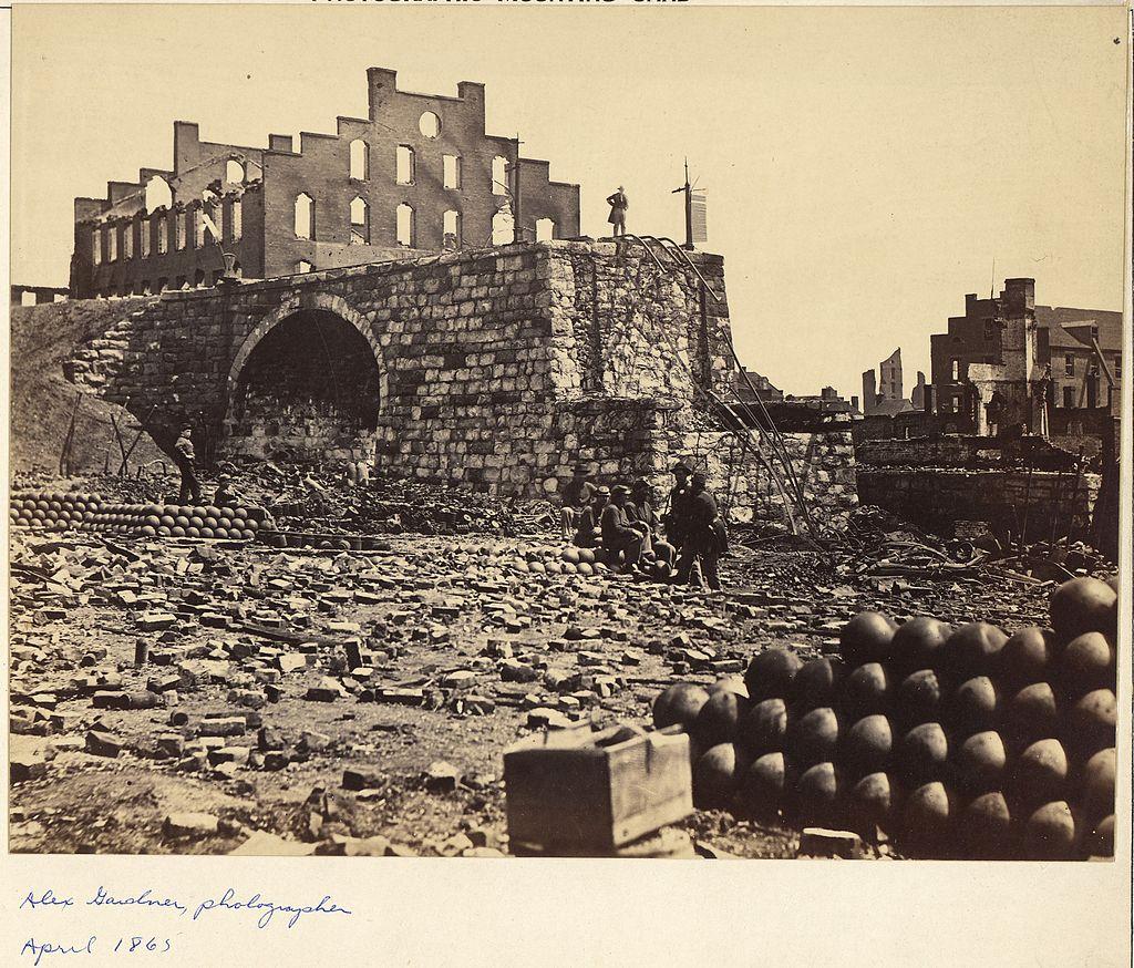 Virginia, Richmond. Ruins of Arsenal - NARA - 533364.jpg