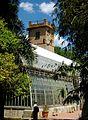 Vista cap a l'hivernacle tropical del Jardí Botànic de València.JPG