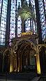 Vitraux du choeur de la Sainte-Chapelle Paris.jpg