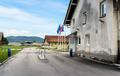 Vojašnica slovenske Teritorialne obrambe.png