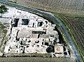 Vue aérienne des fouilles des thermes de Novioregum.jpg