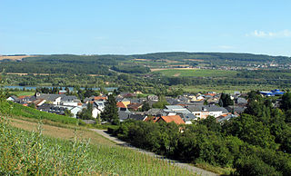 former commune and small wine-growing town in south-eastern Luxembourg