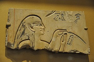 TT319 - Relief fragment from the tomb, showing a hairdresser
