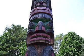 Notre Dame Island - Image: WTMTL Organisateur Mât totémique Kwakiutl (milieu)