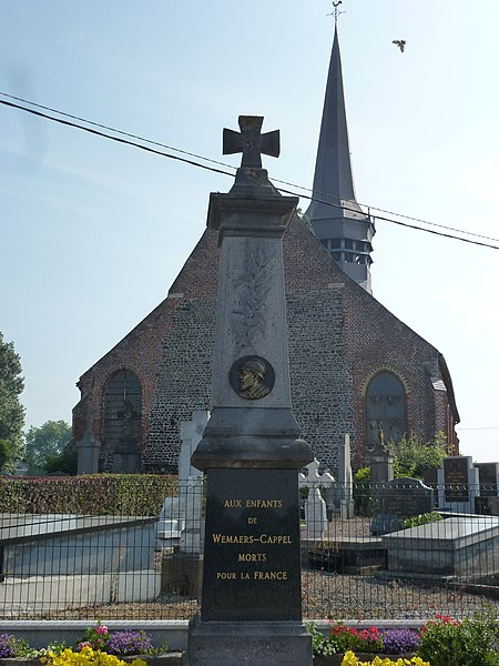 Wemaers-Cappel (Nord, Fr) monument aux morts