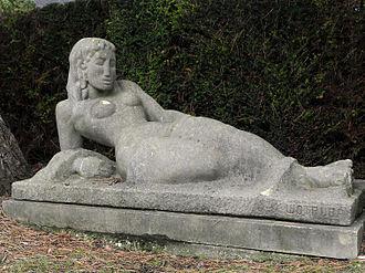 Fritz Wotruba - Image: Wien Zentralfriedhof Grabmal für Selma Halban Kurz Figur von Fritz Wotruba