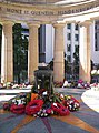 Wreaths-around-the-Eternal-Flame-Anzac-Day-2006.jpg