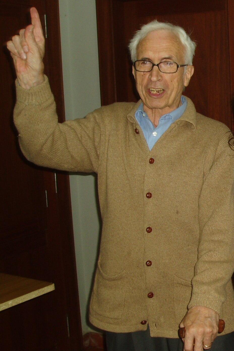Xosé Neira Vilas na súa fundación. Gres. Vila de Cruces 080605 b
