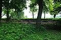 Zámecký park Slavkov u Brna - zřícená zeď 2.jpg