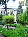 Zabytkowy zespół klasztorny urszulanek w Tarnowie, ogród i dziedziniec klasztorny, ul. Bema (-) 12 pavw.JPG
