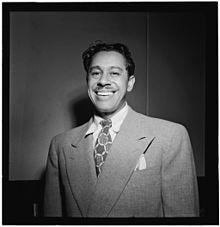 f26e283f46b 1945–1960 in Western fashion - Wikipedia