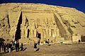Ägypten 1999 (121) Assuan- Großer Tempel von Abu Simbel (27194076380).jpg