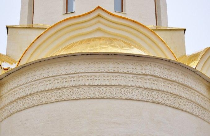 Резной орнамент собора