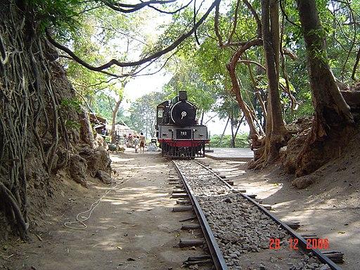ทางรถไฟบริเวณน้ำตกไทรโยคน้อย Railway Track near Saiyoknoi Waterfall - panoramio (1)