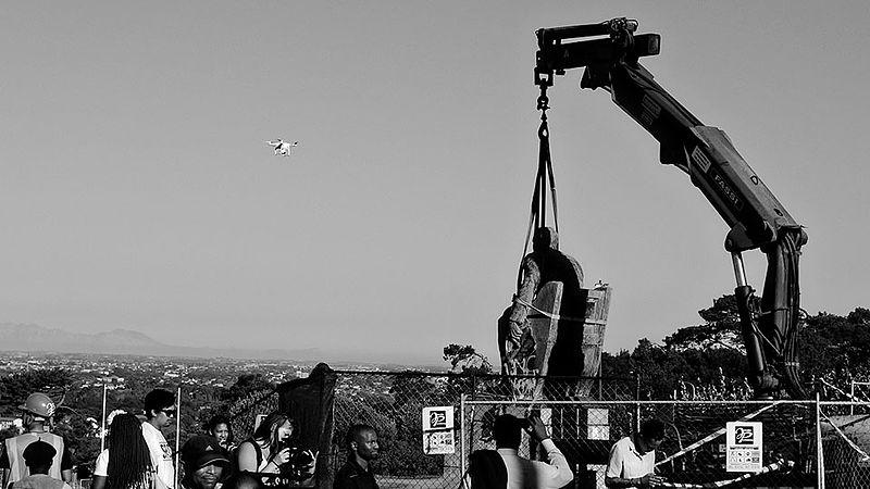 File:-RMF Statue Removal 09 Desmond Bowles.jpg