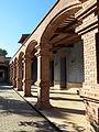 011 Museu de Tortosa, antic escorxador, façana est, porxo.JPG