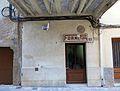 012 Casa amb signe d'ofici, sota el perxe del c. Major (Cabacés).JPG