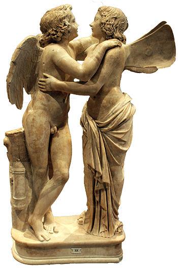 Amor e Psyche. Scultura romana su modello greco risalente al II secolo d.C. conservata all'Altes Museum di Berlino. La vicenda di Amor e Psyche è narrata nelle Metamorfosi [1] di Apuleio (II d.C.). Il dio Amor (Eros) si innamora della bellissima fanciulla Psyche e le fa visita ogni notte con il patto che ella non cerchi mai di vedere il suo volto. Psyche tradisce il patto e Amor si allontana da lei. Per riconquistare l'amato, Psyche si sottopone a durissime prove impostegli da Venere (Afrodite) finché lo stesso dio Giove (Zeus), mosso a compassione, non l'aiuta facendogli così conquistare l'immortalità e quindi accogliendola sull'Olimpo come sposa di Amor. Amor e Psyche rappresentano l'amore umano e quello divino, inteso come il percorso spirituale che l'anima umana (Psyche) deve intraprendere per tornare ad essere puramente