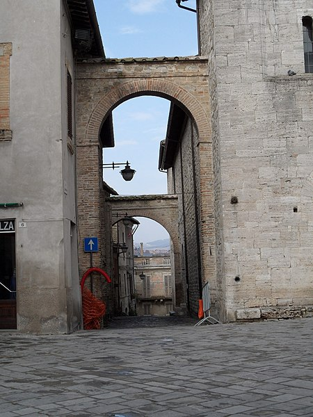 File:06031 Bevagna PG, Italy - panoramio.jpg