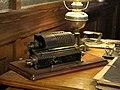129 Museu d'Història de Catalunya, despatx de fàbrica, màquina de calcular.JPG