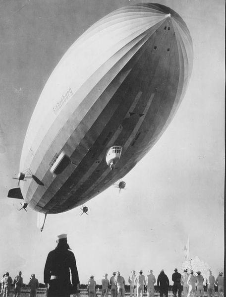 Dirigible Hindenburg.