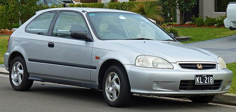 LE 50 auto più vendute in Italia nel 2012 800px-1998-2000_Honda_Civic_CXi_3-door_hatchback_%282010-09-19%29_01