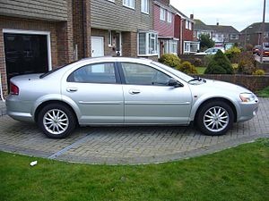 English: 2003 Chrysler Sebring 2.7 LX sedan, o...