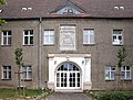 20040627110DR Pudagla (Usedom) Schloß Wappenrelief.jpg