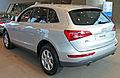 2009-2010 Audi Q5 (8R) 2.0 TFSI quattro wagon 01.jpg