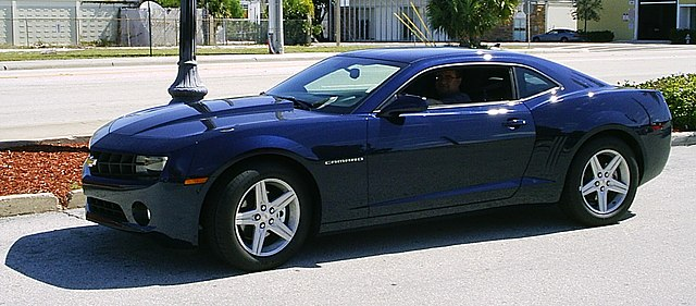 File 2010 Chevrolet Camaro Blue Fl Jpg Wikimedia Commons
