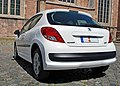 2010 Peugeot 207 Urban Move white 2dr rear view incl LED tail lights.jpg