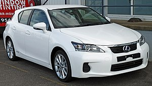 Lexus CT - Image: 2011 Lexus CT 200h (ZWA10R) Luxury hatchback (2011 04 22) 02
