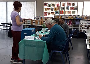 20190409 091600 Polling station in Israel (cropped).jpg