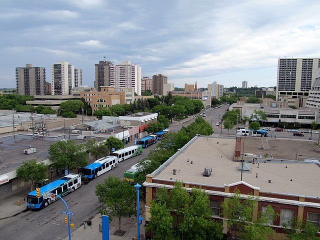Saskatoon by Daryl Mitchell [CC BY-SA 2.0 (https://creativecommons.org/licenses/by-sa/2.0)], via Wikimedia Commons